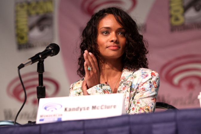 KANDYSE MCCLURE SPEAKS IN FAVOR OF MIGRANT FAMILIES
