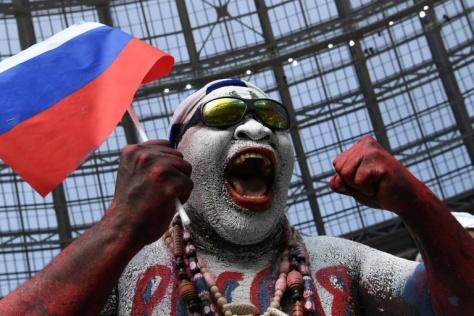Russians Celebrate 1