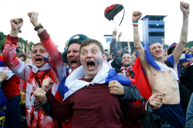 WORLD CUP FEVER GRIPS DISBELIEVING RUSSIA